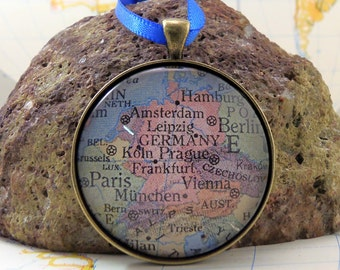 Germany Map Christmas Ornament, A special place in the Heart / HONEYMOON Gift / Wedding Map Gift / Travel Tree Ornament / Corporate gift
