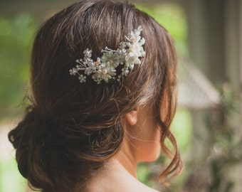 THELIA white blossom comb, bridal floral comb, crystal floral comb, bridal flower comb, white floral headpiece, bridal floral headpiece