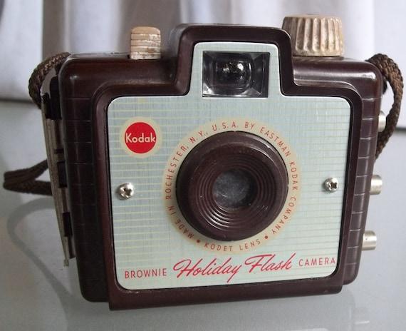 kodak brownie holiday flash camera brown original strap. Black Bedroom Furniture Sets. Home Design Ideas