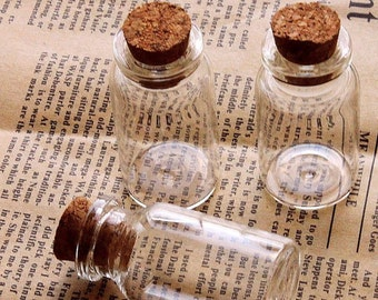 10pcs 52x24mm Clear Glass Tiny Bottle Vials Charms / Pendants with With Corks /EYEHOOKS (BOT-14)