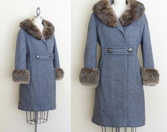 Vintage Fur Trim Coat / 1950s Winter Coat / Real Fur Tweed Coat