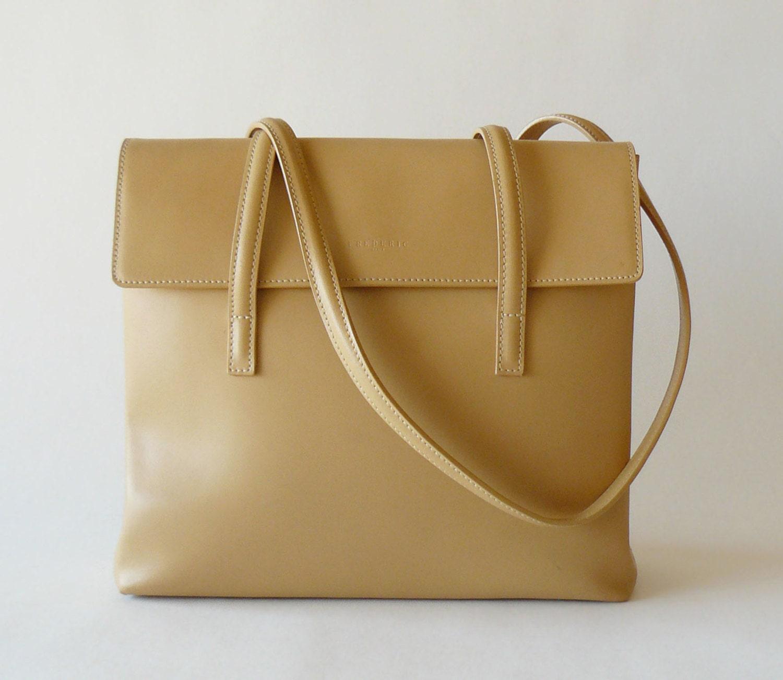 authentic frederic t paris tan leather shoulder bag made in. Black Bedroom Furniture Sets. Home Design Ideas
