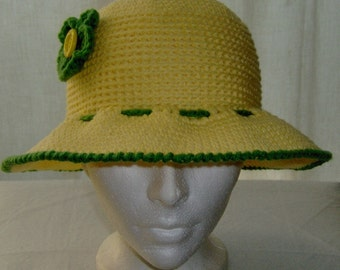 Crochet yellow sun hat with brim for women and teen