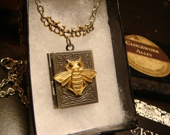Victorian Style Bee Book Locket Necklace in Antique Silver(1687)