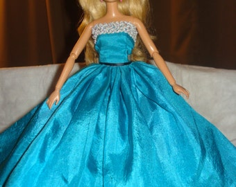 Red Carpet Collection - Amazing bright blue Silk formal with Tulle slip for Fashion Dolls - ed451