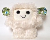Furry plush monster: Arianna the soft monster