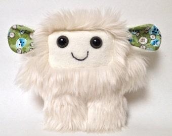 Furry plush monster: Arianna the soft monster