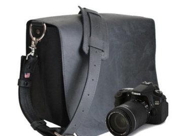 "14"" Black Newport Mission Leather Camera Bag"
