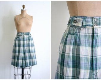 CLEARANCE SALE || vintage 80s plaid cotton madras shorts - bermuda shorts / Outback Red - high waisted cotton shorts / 80s preppy shorts