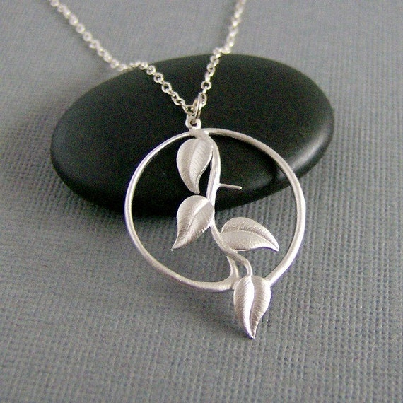 Silver Round Ivy Leaf Necklace, Circle Pendant, Sterling Silver Chain, Botanical Jewelry