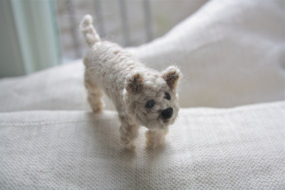 Cairn Terrier knitted in wool