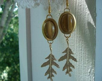 Vintage Tiger's Eye Glass Earrings Matte Gold Oak Leaf Leaves Woodland Nature Inspired