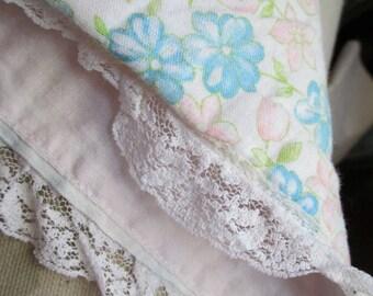 Vintage Shabby Chic Retro Handmade Baby Nursery Blanket Pink Blue Floral Lace Trim D17