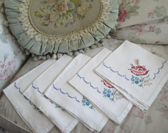 5 pc Vintage White Linen Embroidered Floral Cross Stitch French Knot Dinner Napkin Set K90