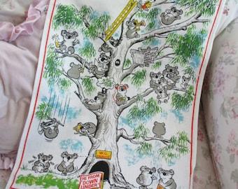Vintage Printed Souvenir Kitchen Towel - KOALA Bears Cartoon Style Australia Q113