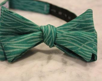 Bow Tie in Teal Ocean Waves - Groomsmen and wedding tie - clip on, pre-tied with strap or self tying