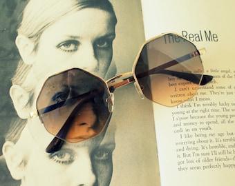 1990s HEXAGON Sunglasses.....john lennon. geometric. round lens. rudeboy. retro sunglasses. golden sunglasses. hippie. boho. urban. hipster.