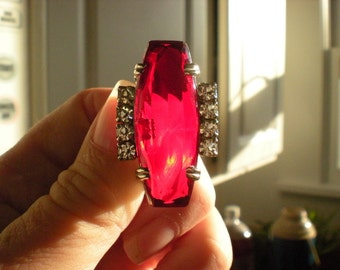 Vintage 1940s HUGE Deco Style Faceted Ruby Rhinestone Oblong Brooch