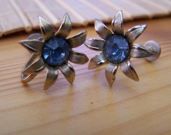 "Vintage 60's ""BLUE TOPAZ LOOK"" Screw back  Earrings in Gold Toned Single Flower Design"