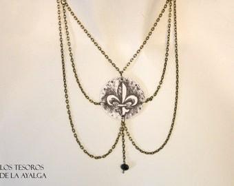 Fleur de Lys necklace -  - medieval collar ** customizable necklace **
