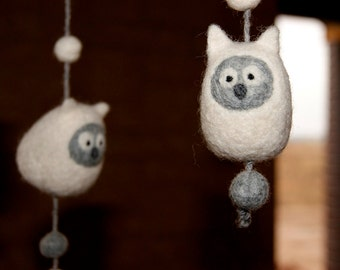 Baby mobile, nursery decoration, baby owl, natural toys, natural wool toys, nursery mobile, owl mobile, cot mobile