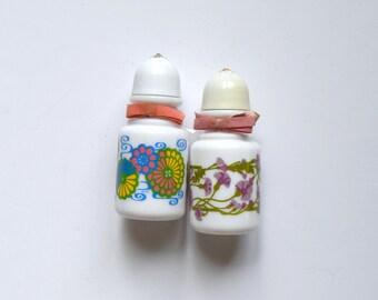 Vintage Salt Shakers - Avon Shakers - Bath Salt Shakers - Mod Flower