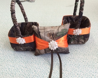 Real tree camo  Camouflage Wedding Set of Two baskets and 1 Pillow