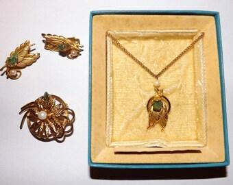 Vintage Karu Arke Parure. Jewelry Set. Necklace. Earrings. Brooch. Jade. Cultured Pearls.