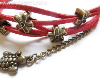 Turtle bracelet,turtle cuff,turtle bangle,tortoise bracelet,red bracelet,red cuff,suede bracelet,tortoise cuff,red turtle bracelet