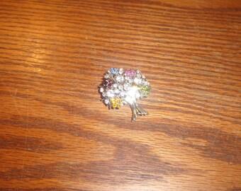 vintage pin brooch rhinestone flower bouquet