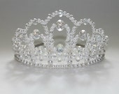 A True Diva Crystal and Pearl Tiara, Bridal Tiara, princess Tiara, Birthday Tiara, Prom Queen Tiara