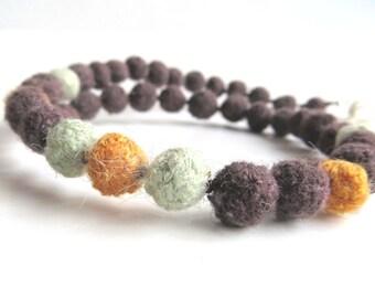 "Plant dyed felt Ahimsa Silk necklace ""Canela"", pure organic wool, seed beads, silver, rosewood, orange, jade green, OOAK, one of a kind"