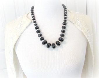 Vintage Chunky Beaded Necklace, Black and White Bead Necklace, MOD Lucite Bead Necklace, Statement Necklace, 1960s Vintage Costume Jewelry