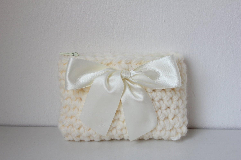 Crochet Coin Purse : crochet coin purse in ivory wedding coin by littlegirlsboutique