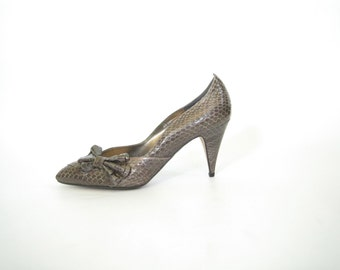 Brown Snake Skin Heels with Bows. 8. Vintage 80s New Wave Pumps. Dead Stock - New Old Stock