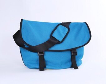 """CLEARANCE SALE / Messenger No. 1 / Medium / Ready to ship / Teal / Lined with Beige / Computer Compartment Fit up to 13"""" MBP"""