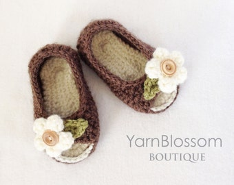 CROCHET PATTERN - Peek-a-boo Baby Shoes - digital download, PDF, baby booties, crochet shoes, baby girl