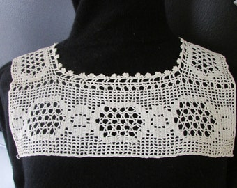 Vintage  Crocheted  Lace Camisole Top, Vintage Crochet, Vintage Lingerie Lace, Vintage Collar, Vintage Lace Top