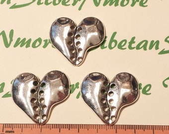 4 pcs per pack 33x30mm Medium Wavy Heart with center hole Antique Silver Finish Lead Free Pewter