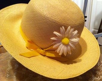 Vintage Ladies Hat Mr. Martin Straw Hat with Daisy from B. Altman