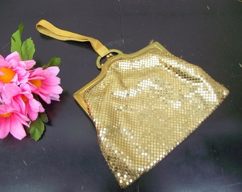 Vintage Whiting and Davis Gold Mesh Evening Bag - KissLock Ornate Wrist Strap - Kiss Lock