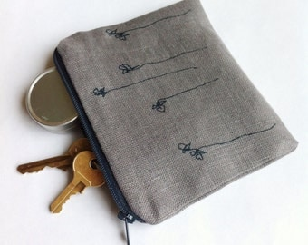 Small linen pouch with little flower print