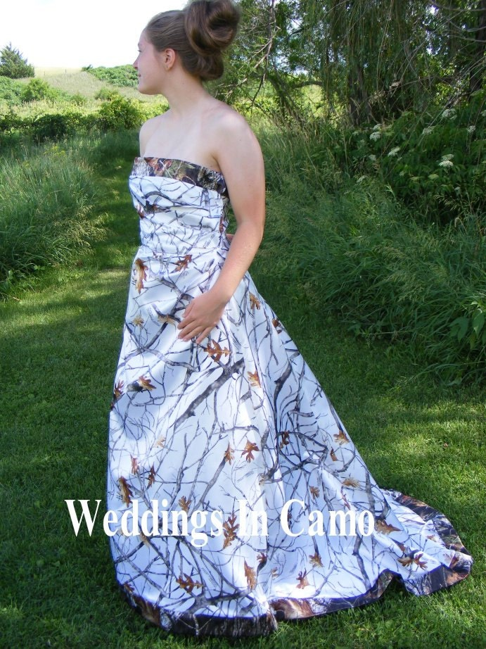 Camo wedding dress corset back snow and mossy oak for Snow camo wedding dresses