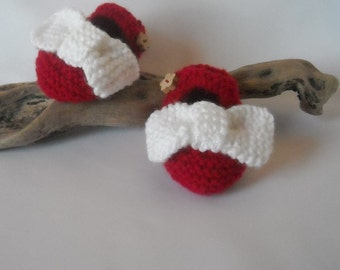 Festive Red Handknitted Mary Jane style shoes with an over sized bow 0-3mth, 3-6mth
