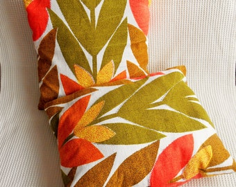 """2 Floral Retro Bold Print Cushions Padded Textured  Cotton 16"""" x 18"""" Inches"""