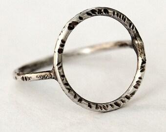 Minimalist Circle Ring - Sterling Silver Ring - Metalwork Ring - Geometric Jewelry - Handmade - Metalwork - Custom Made