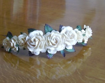 Bridal floral headpiece / Bridal flower headpiece / Floral hair accesories / Flower + leaves semi crown