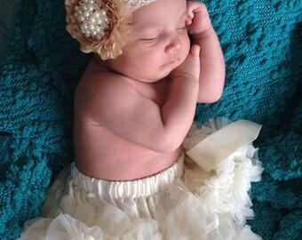 Infants  ivory pettiskirt.