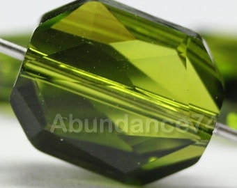 4 pcs Genuine Swarovski Crystal 5520 12mm Graphic Bead - OLIVINE
