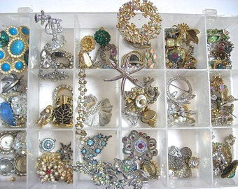 Take 30% Off SEE ALL PHOTO'S Huge 100 Plus Piece Vintage Paste Rhinestone Jewelry Collection Complete Cabachon Bead